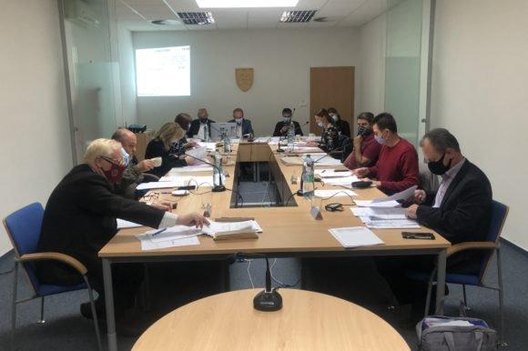 Poslanci rokovali o financiách aj o kúpe majetku